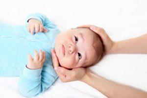 Spædbørn kommer billigere til behandling